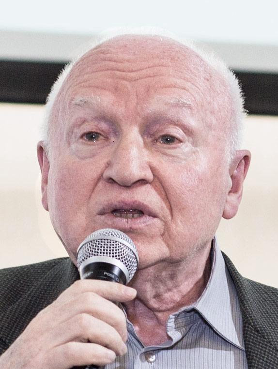 Илья Мучник